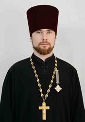 Священник Михаил Поликаровский