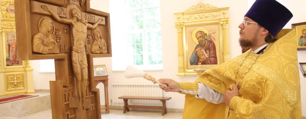 Благочинный Центрального округа совершил Божественную литургию в нашем храме